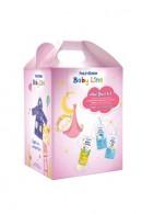 Frezyderm Baby Line New Born Kit Girl Βρεφικό Πακέτο Προσφοράς Με Το Baby Bath 300ml, Baby Shampoo 300ml & Baby Cream 175ml Με Δώρο Βρεφικό Μπουρνούζι Για Κοριτσάκια